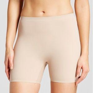 Warners Nude Seamless Shaping Shortie